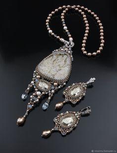 """Купить Кулон """"Метелица"""" - зима, кулон, белый, Авторский дизайн, единственный экземпляр, авторское украшение"""
