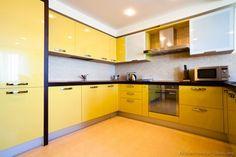 Hello yellow! #Kitchen Idea of the Day: Modern yellow kitchens.