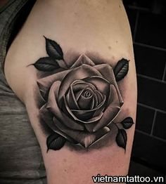 Rose Flower Tattoos, Floral Thigh Tattoos, Black Rose Tattoos, Flower Tattoo Designs, Tattoo Femeninos, Up Tattoos, Arm Band Tattoo, Hand Tattoos, Rose Drawing Tattoo
