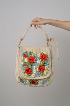 Women s purse with embroidery