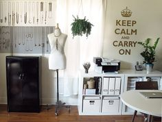 Creative, simple, organized....what everyone dreams of in studio space.   Brought to you by Design*Sponge