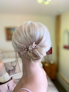 Bridesmaid Hair, Bridesmaids, Blonde Bridal Hair, Pastel Wedding Theme, Luxury Hair, Girls Life, Blondes, Updo, Wedding Hairstyles