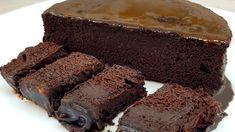 Quando si cucina un dolce, giustamente, si è di buon umore perché già si sta pregustando il momento di mangiarlo, quindi sorridere è proprio inevitabile. Poi, se si prepara la torta al cioccolato senza zucchero e farina si è doppiamente felici, in quanto non solo è buonissima ma non serve nemmeno accendere il forno. Pubblicità Infatti, per cuocere questo dessert davvero molto buono avrete bisogno solo del forno a microonde, che vi consentirà di mangiarla dopo soli 5 minuti. Senza contare che… Snack Recipes, Dessert Recipes, Cooking Recipes, Snacks, Healthy Desserts, Delicious Desserts, Yummy Food, Sans Gluten Ni Lactose, No Calorie Foods