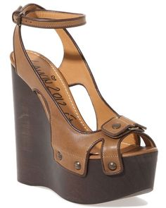 Get the must-have platforms of this season! These Lanvin 2012 Ete Brown Leather Wedge Sandals 39 Platforms Size US Regular (M, B) are a top 10 member favorite on Tradesy. Unique Shoes, Cute Shoes, Me Too Shoes, Platform Wedge Sandals, Leather Wedge Sandals, Brown Wedge Sandals, Shoes Heels Wedges, Wedge Shoes, Brown Leather Wedges