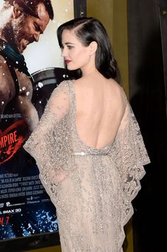 Eva Green attends the premiere of Warner Bros. Pictures and Legendary Pictures' Rise Of An Empire' at TCL Chinese Theatre on March 2014 in Hollywood, California. Eva Green 300, Actress Eva Green, Green News, Bond Girls, French Actress, Elie Saab Couture, Audrey Hepburn, Sensual, Girl Crushes