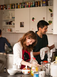 Wageningen has lots of typical student houses where students live together. Every night, you will find students cooking and eating together!