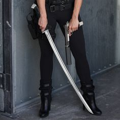 This ain t your ordinary katana folks designed for real world combat in the modern world the honshu boshin fuses battle proven ancient japanese swordcraft tradition with the best in century tactical engineering and design slices through cinder blocks