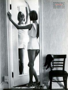 Vogue Italia, February 1994 Photographer : Steven Meisel Model : Linda Evangelista Makeup : Denise Markey Hair : Garren