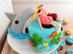 Shark Birthday Cake          for Lisa ;)