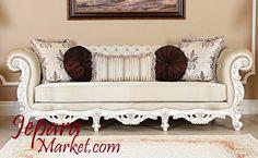 Sofa chesterfield ukir terbuat dari kayu mahoni solid berkwalitas dari perhutani.sofa ini menggunakan bahan jok berkwalitas bagus yang empuk dan tidak mudah kempis.produk sofa ini dirakit oleh peng…