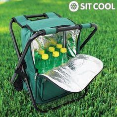 ¡La silla plegable con bolsa térmica y mochila Sit Cool 3 en 1 es ideal para tus escapadas al campo o a la playa! La silla cuenta con estructura de metal y asiento acolchado (40 cm de altura). La bolsa térmica conserva frescas latas, botellas y alimentos (capacidad: 18 latas de refrescos o varias botellas de 1,5-2 l). La mochila dispone de dos bolsillos para poder guardar documentación, monederos, móviles, etc. Fácil de transportar!