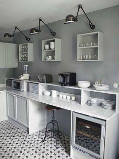 11 Best Industrial-Style Black Sconces for the Kitchen Kitchen Interior, New Kitchen, Kitchen Dining, Küchen Design, House Design, Studio Design, Cocinas Kitchen, Cuisines Design, Dining Room Design