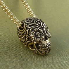 Day of the Dead Necklace Bronze Sugar Skull Pendant por LostApostle