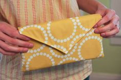 DIY envelope clutch... great site with lots of projects