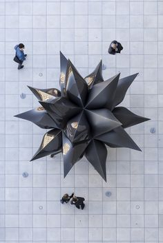 chrisbmarquez:    Frank Stella Black Star at the Whitney
