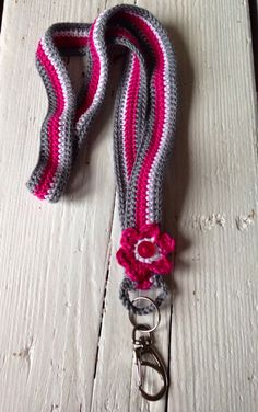 ideas for crochet key landyard Crochet Quilt, Crochet Home, Crochet Crafts, Crochet Yarn, Easy Crochet, Crochet Flowers, Crochet Projects, Free Crochet, Crochet Lanyard