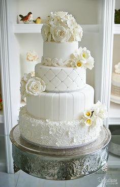 Boda - Nora y Manuel Elegant Wedding Cakes, Beautiful Wedding Cakes, Brides Cake, Glamour, Wedding Dresses, Desserts, Dreams, Weddings, Cakes