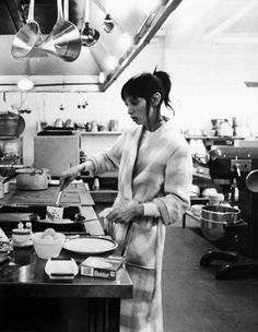 Shelley Duvall cooking