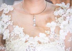 Flower in white Model Kebaya, Pearl Necklace, Pearls, Flower, Jewelry, Fashion, String Of Pearls, Moda, Jewlery