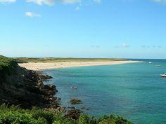 Shell Beach, northeastern coast - Plage des coquillages sur l'ile de Herm