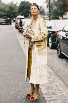 Fall Looks : Picture Description Fall street style / Fashion Week street style #fashion #womensfashion #streetstyle #ootd #style #minimalfashion / Pinterest: From Luxe With Love https://looks.tn/season/fall/fall-looks-fall-street-style-fashion-week-street-style-fashion-womensfashion-streetst/
