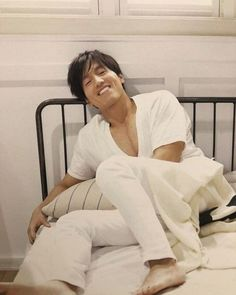 Meteor Garden Jerry Yan Age Gracefully at 42 Asian Actors, Korean Actors, Jerry Yan, F4 Meteor Garden, Boys Over Flowers, Lucky Star, Couple Outfits, Aging Gracefully, Asian Men