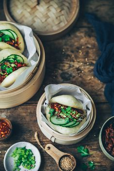Gua Bao au pulled pork sur Styliste Gua Bao, Pulled Pork, Cooking, Ethnic Recipes, Food, Parchment Paper Baking, Coriander Leaves, Shredded Pork, Essen