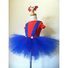 ORIGINAL Mario inspired tutu costume, if you have 2 girls they can go as Mario and Luigi! Halloween Motto, Diy Halloween Costumes, Cute Halloween, Holidays Halloween, Scarecrow Costume, Halloween Treats, Costume Ideas, Mario E Luigi, Mario Costume