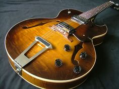 GIBSON VINTAGE ACOUSTIC ELECTRIC GUITAR OLD