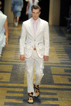 Versace Men's RTW Spring 2013 - Runway
