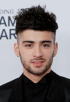 Image about love in ✴ Zayn Malik ✴ by Mariana,. Zayn Mallik, Zayn Malik Photos, Niall Horan, Liam Payne, Zayn Malik Hairstyle, Zayn Malik Style, Cute Actors, Louis Tomlinson, Celebrity Crush