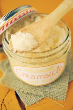"""The """"recipe"""" for all natural creamsicle scent. ORANGE CREAMSICLE BODY SCRUB cup of coconut oil, cup of sugar, 1 teaspoon of vanilla extract and 10 drops of orange essential oil. Diy Body Scrub, Diy Scrub, Homemade Scrub, Homemade Soaps, Diy Soaps, Sugar Scrub Recipe, Orange Essential Oil, Essential Oils, Orange Creamsicle"""