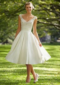 Knee-Length with Lace Wedding Dresses