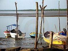 Botes   Boats at Rest  ID: 185116 © amadis aparicio | Dreamstime Stock Photos