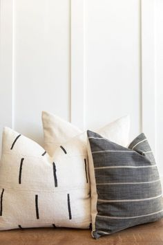 This beautiful combo was picked by me. It is a beautiful mix of textile and color that will compliment any home. White Pillow Covers, White Pillows, Throw Pillows, African Mud Cloth, Lumbar Pillow, Pillow Inserts, 3 Piece, Textiles, Fabric