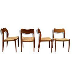 Ensemble de 4 chaises en teck, modèle 71, Niels O. Møller. vendu par L' Atelier du Multiple - Toulon (83 - Var). Hauteur : 80, Largeur : 49, Profondeur : 50, État : Dans son jus, Materiau : Bois, Style : Scandinave,