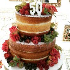 Naked cake fruits & flowers