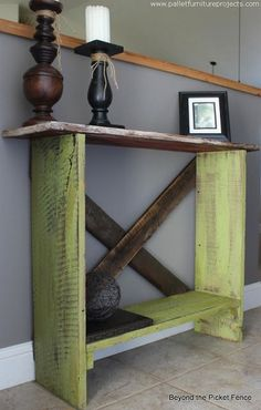 We have made a couple of wood pallet side tables in some of the earlier projects, but as we were meant to make some easy recycling projects so we resorted to this simply shaped rustic wood pallet side table.