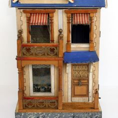 Antique Dolls House, bright colors and nice design. .....Rick Maccione-Dollhouse Builder www.dollhousemansions.com