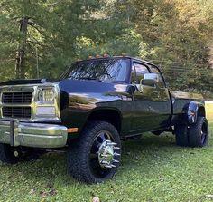 Cummins Diesel Trucks, Dually Trucks, Dodge Trucks, Chevrolet Trucks, Chevy Pickup Trucks, First Gen Cummins, First Gen Dodge, Custom Pickup Trucks, Heavy Duty Trucks