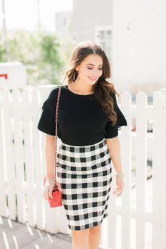 Perfect work look / gingham skirt / work style / business casual / workwear #workstyle #businesscasual
