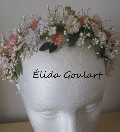 Tiara de flores de tecido Élida Goulart  - contato (031)99191.8404
