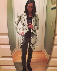 Today's handmade #ootd. Still loving this @straightstitchdesigns Laurelhurst cardigan from @indie_sew. Wearing it with olive green pants and suede black booties today.  #laurelhurst #straightstitchdesigns #indiesew #sewing #diy