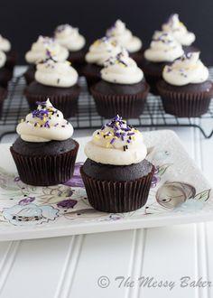 Bailey's Irish Cream Cupcakes {www.themessybakerblog.com}
