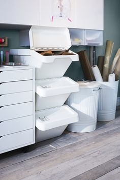 Trash? No, it's stuff to make new things. Store your recyclables in SORTERA until you get in a creative mood.