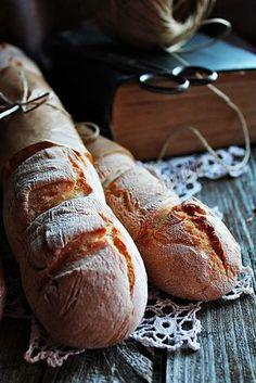 Imádom a friss és ropogós, vastag héjú kenyereket. Sajnos... Nekem tökéletesen megfelelnek csak úgy magukban is, ahogy ... Hot Dog Buns, Bread Recipes, Food And Drink, Hungary, Budapest, Bakery Recipes