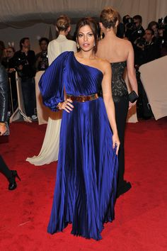 Eva Mendes in Stella McCartney