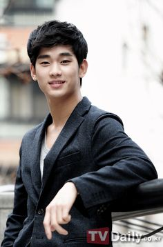 Kim Soo Hyun to reveal behind-the-scene stories of 'Moon-Sun' on 'Taxi' #allkpop