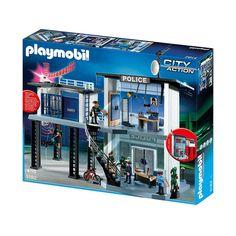 Spær Playmobil røvere og tyve ind i fængslet, og og sende betjente til og fra denne flotte Playmobil politistation 5182 som inkluderer 4 figurer og masser af tilbehør.