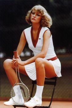 10 Vintage Pics that Prove Tennis is the Chicest Sport Ever - Lacoste Vintage Tennis Photos Tennis Fashion, Sport Fashion, Look Fashion, Fashion Design, Lacoste, Tennis Dress, Tennis Clothes, Nike Clothes, Tennis Wear